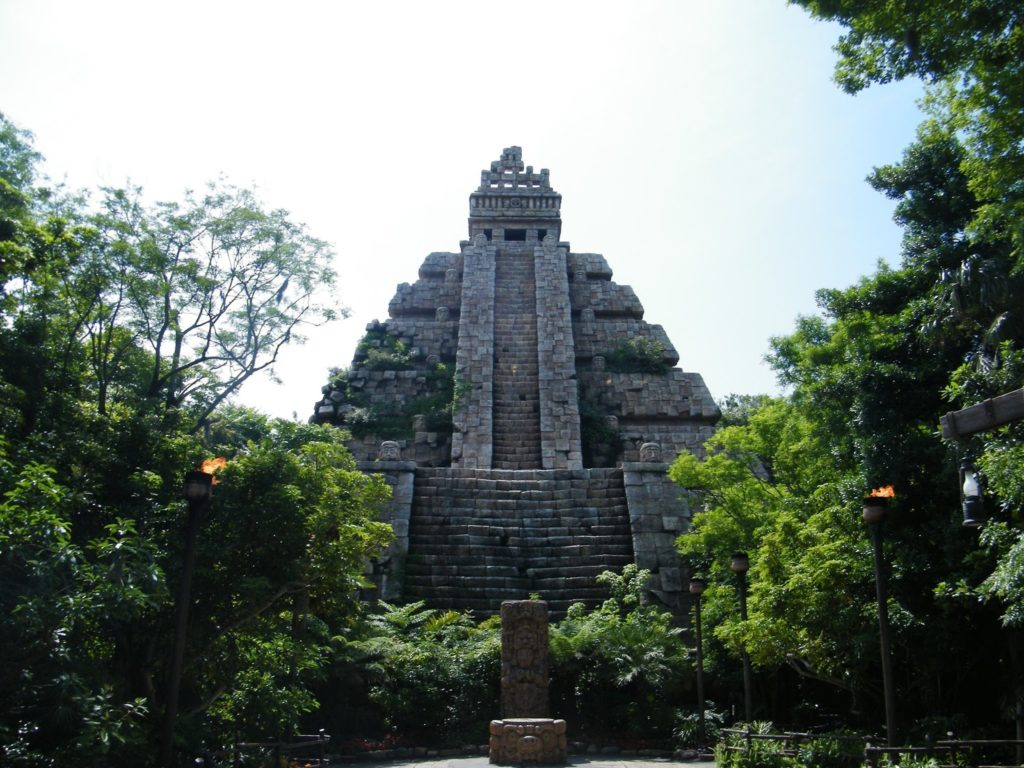 Indiana Jones - Temple of the Crystal Skull - Tokyo DisneySea & Disneyland, California