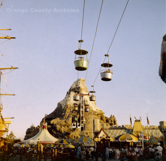Disneyland's old skyway gondola ride in 1959