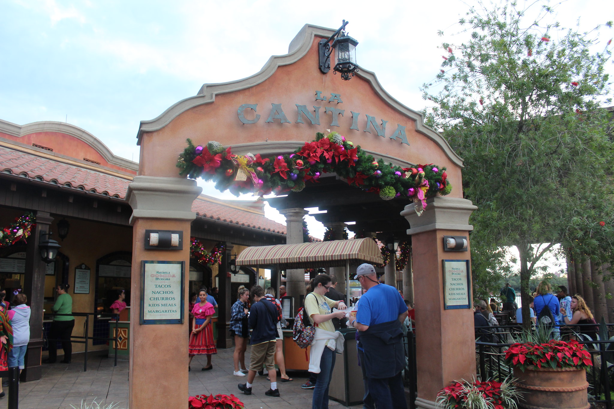 Best Disney World outdoor dining options