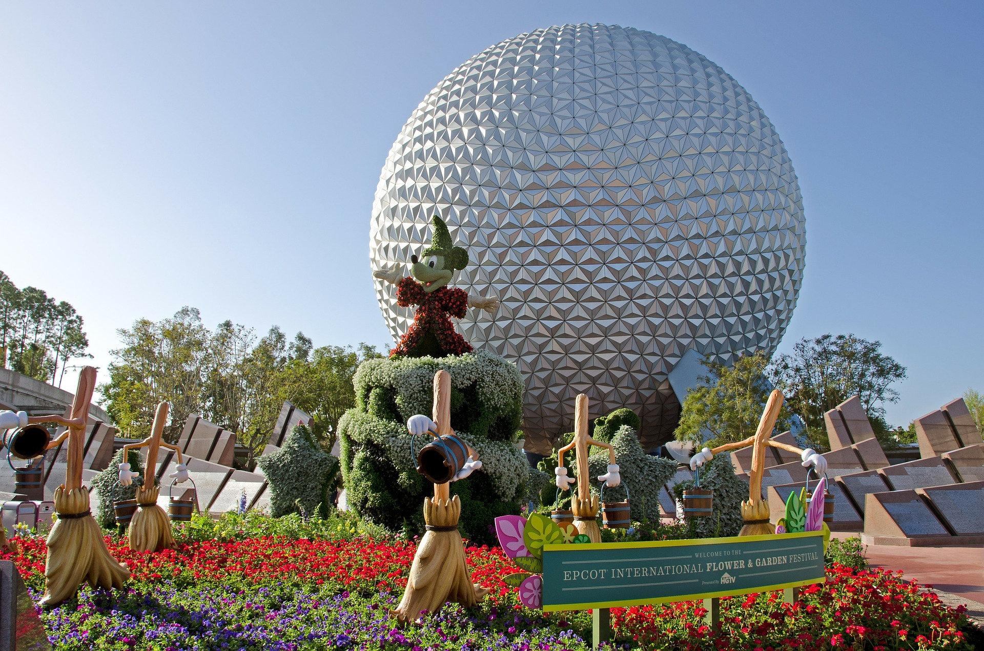 Epcot hours change january 1st