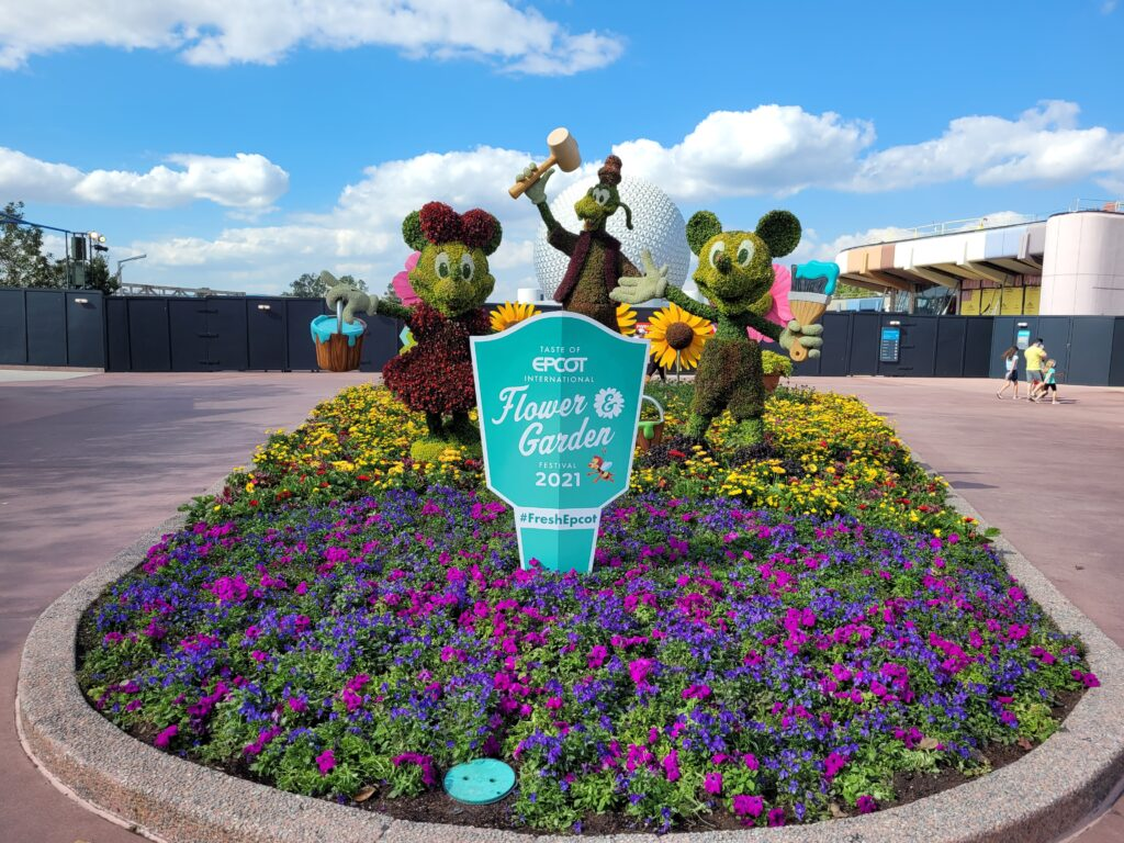 Mickey Mouse, Minnie Mouse and GoofyTopiary