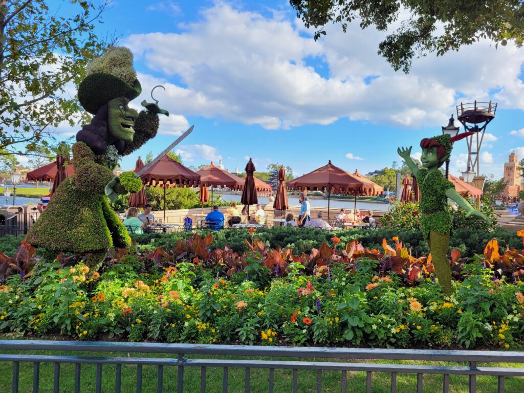 Peter Pan And Captain Hook Topiary