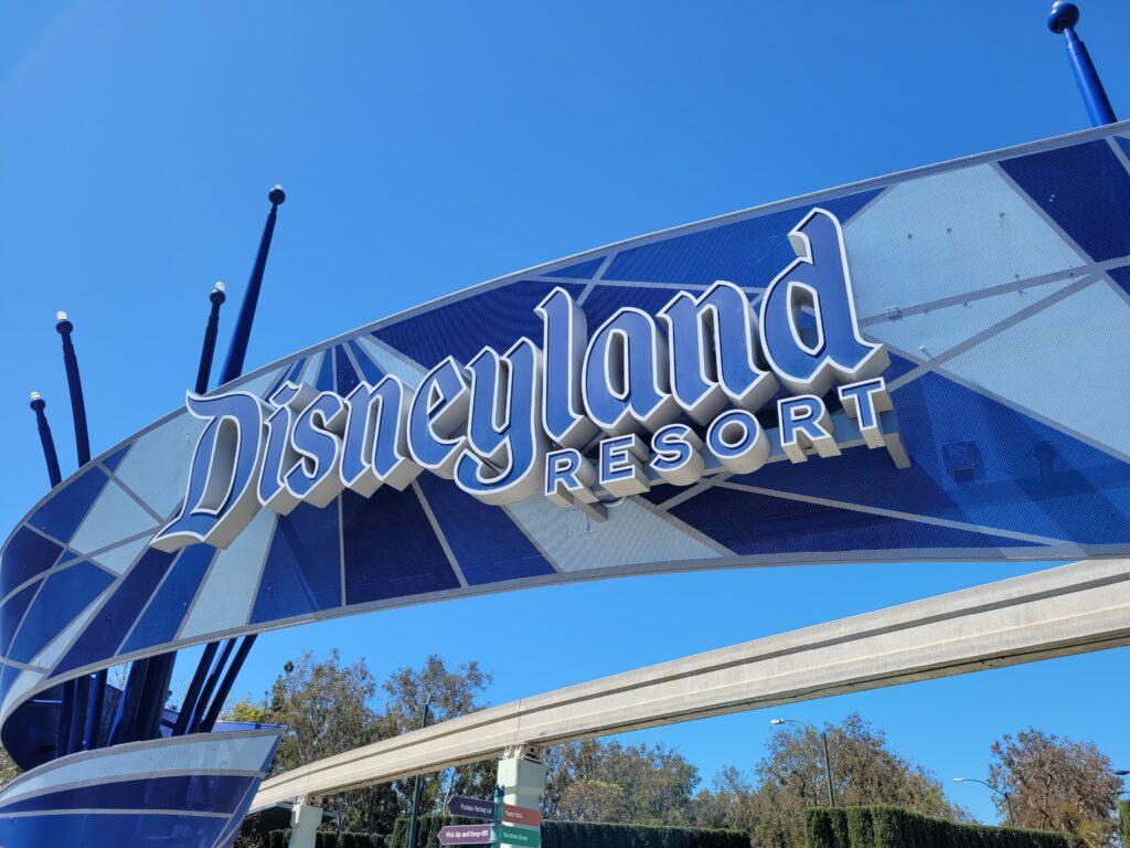 Disneyland Welcome Sign
