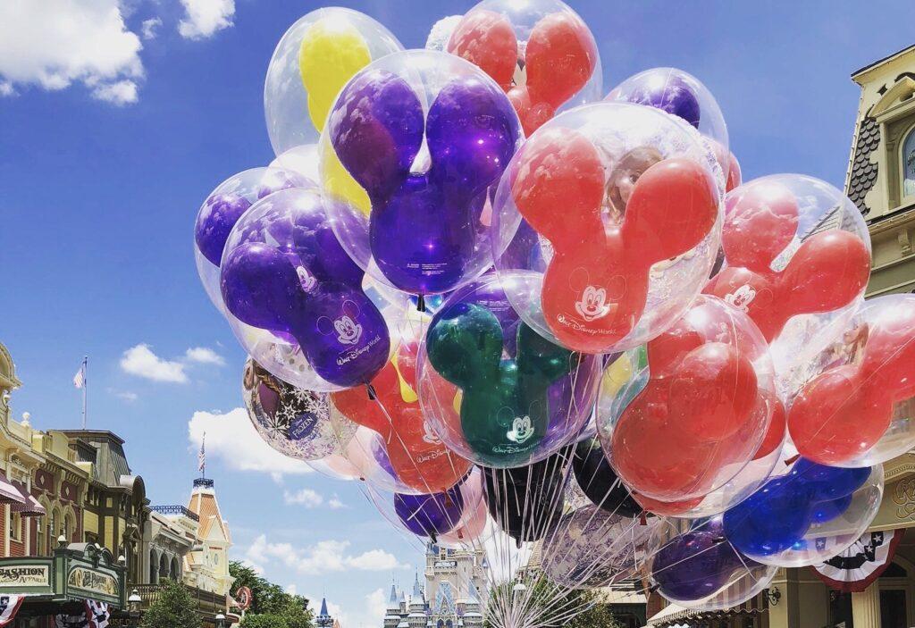 mickey balloons - Magic Kingdom, Disney World