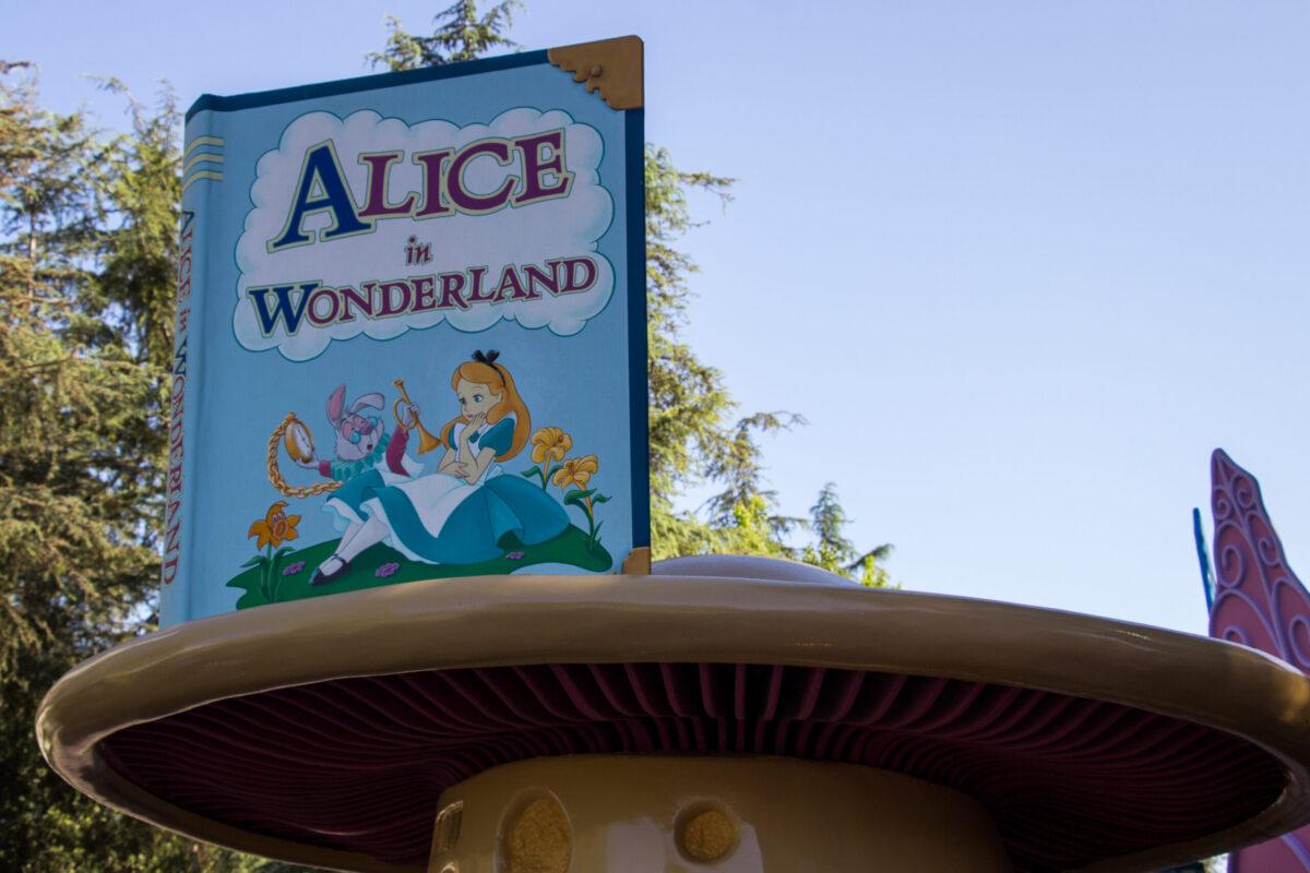 Alice in Wonderland Attraction - Disneyland