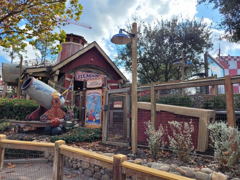 The queue at the Barnstormer in Disney World