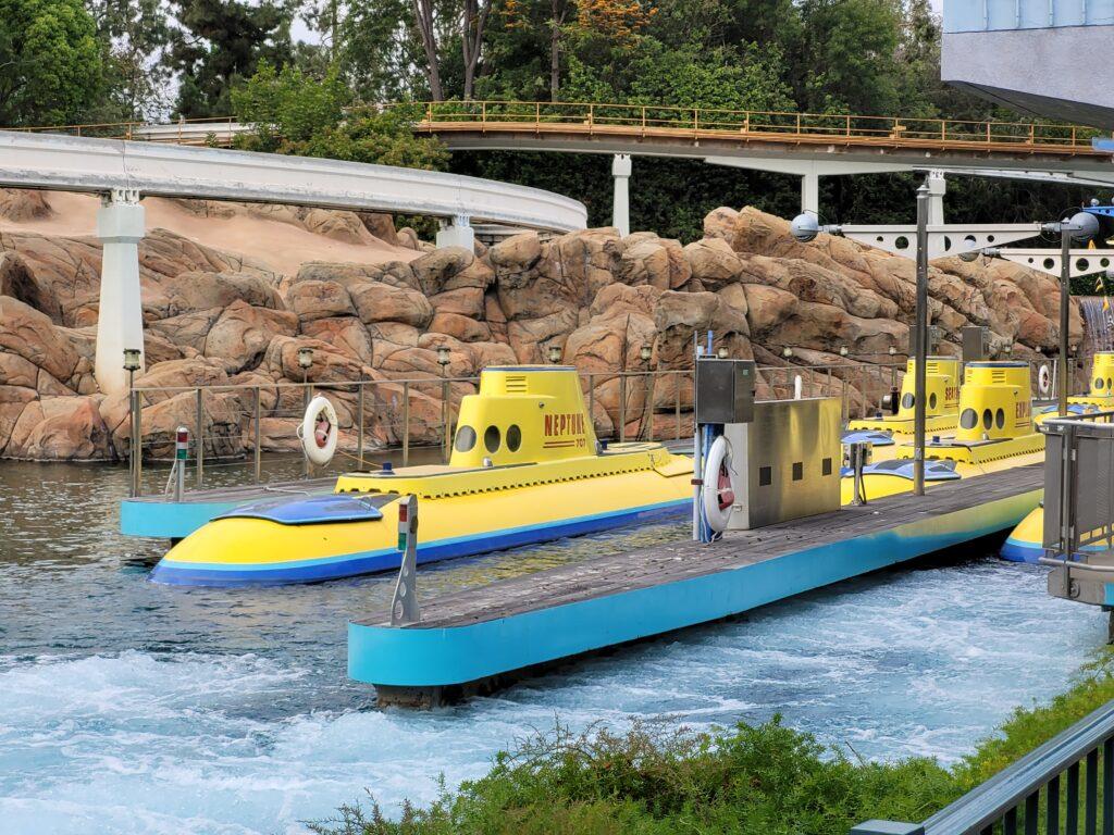 Find Nemo Submarine Voyage Ride Vehicle