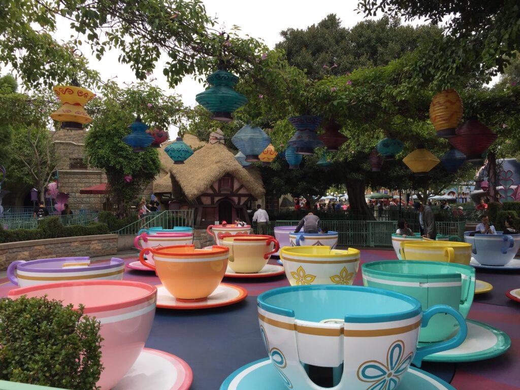 Mad Tea Party, Disneyland