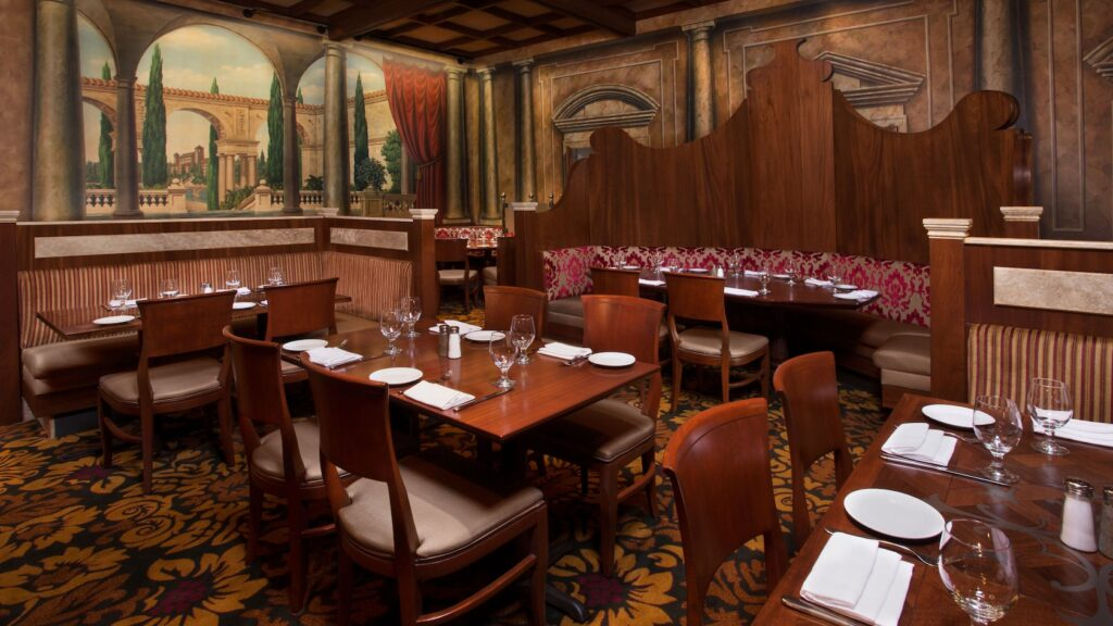 Tutto Italia Ristorante Dining Room Decor