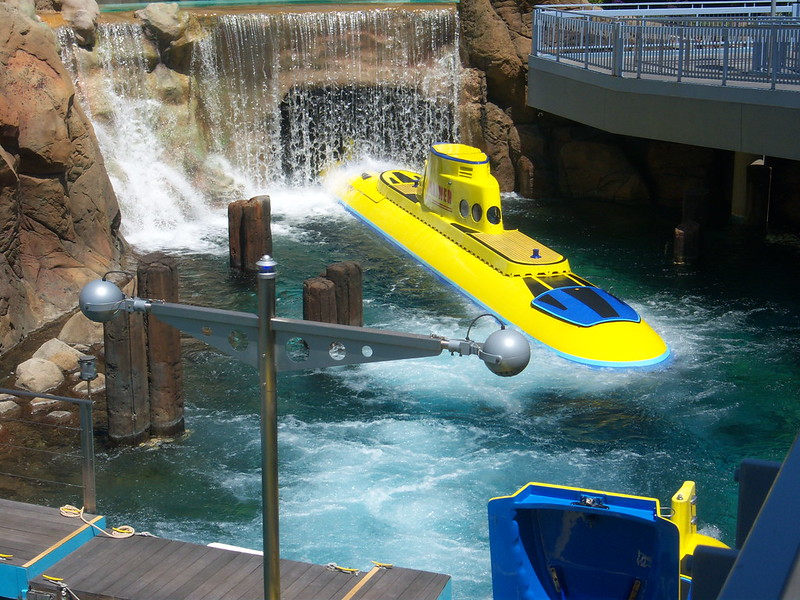 Nemo Submarine Voyage - Disneyland