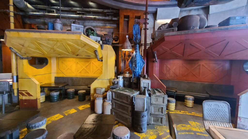 Theming at Docking Bay 7 Restaurant - Disney World