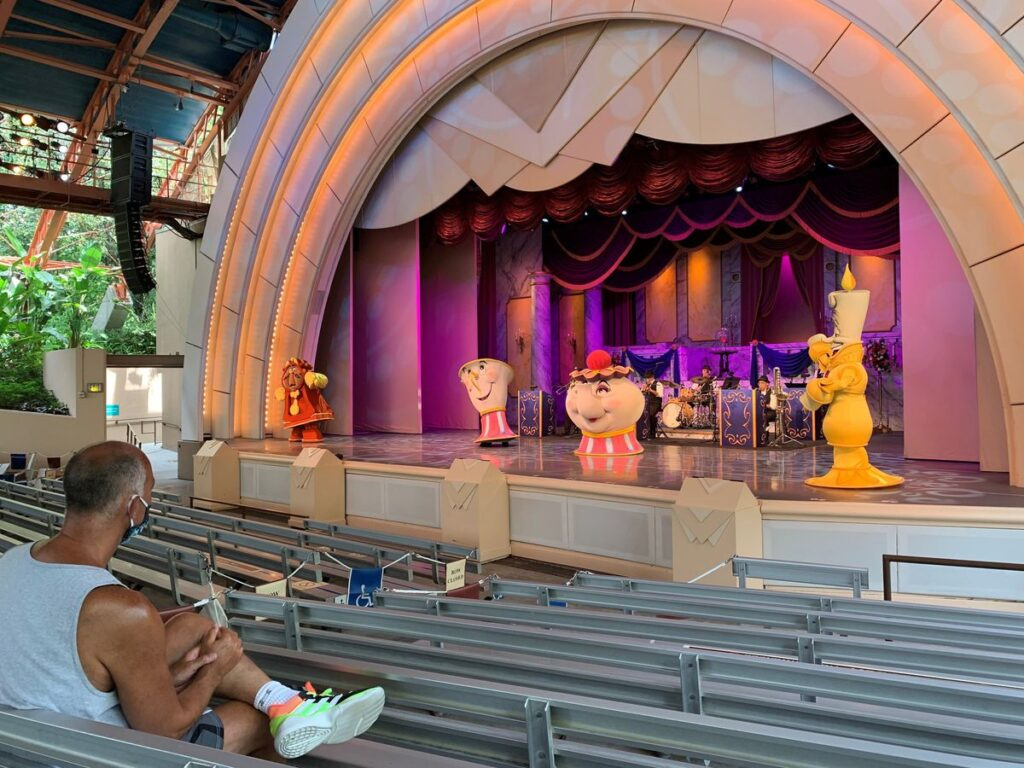 Disney Park stage show attractions offer Broadway style entertainment