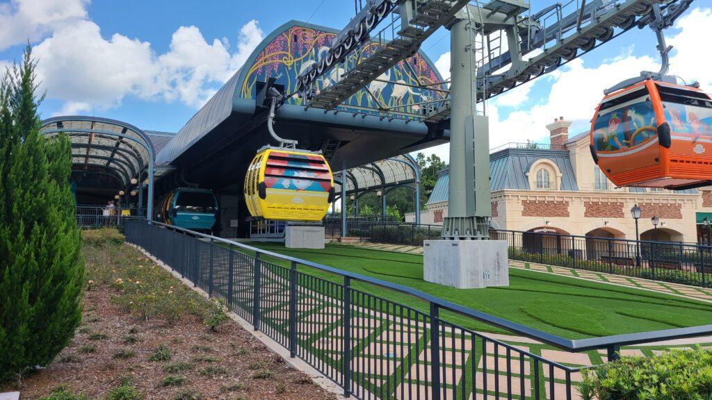 Gondola leaving skyliner station at Disney World