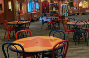 Big Top Souvenirs Reopens with tables and chairs to dine indoors - Disney Magic Kingdom
