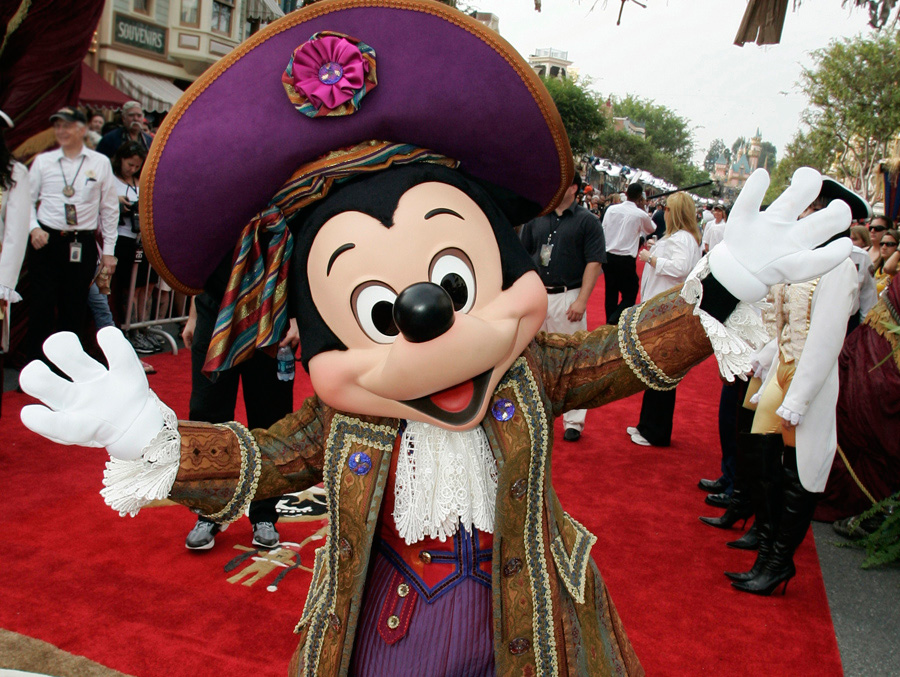 Mickey at Pirates of the Caribbean premiere